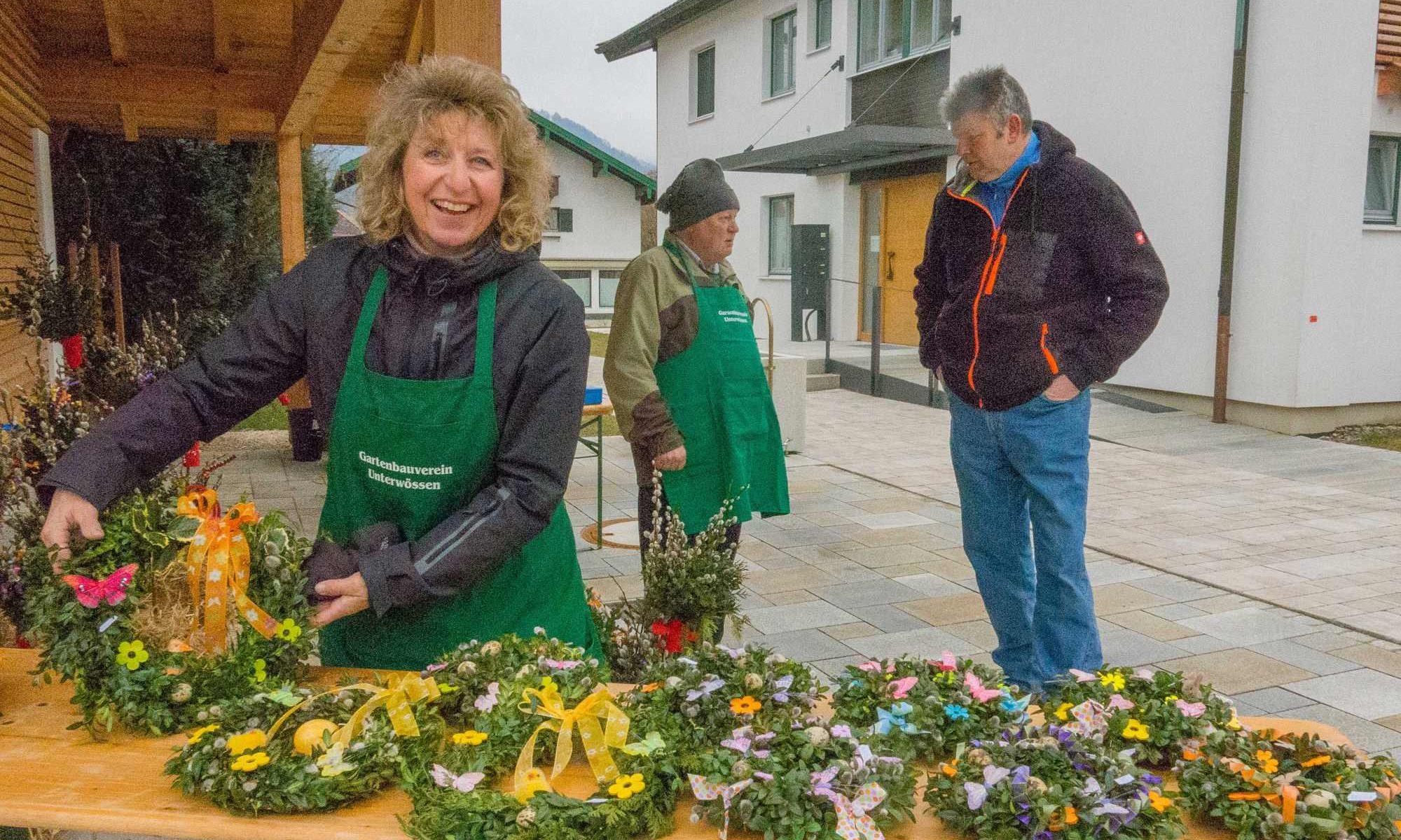 Palmbuschenverkauf am Pfarrheim unterwössen